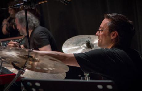 Pierpaolo Ferroni lezioni di batteria pop e rock corsi professionali di chitarra